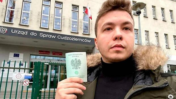Слезы змагара: Роман Протасевич рассказал, за чей счет живет белорусский протест