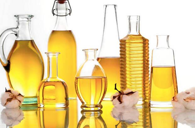 Смазываем разделочную доску маслом: служит в несколько раз дольше