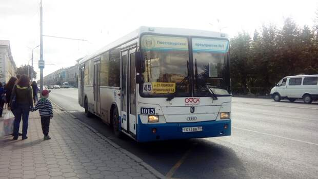 Двум автобусам временно изменили маршруты из-за ремонта теплосетей в Амуре