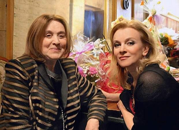 Маргарита Терехова с дочерью Анной   Фото: 24smi.org