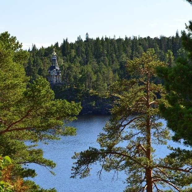 Куда отправиться из Петербурга по воде? Девять направлений — от быстрой прогулки до Кронштадта до круиза по Волге