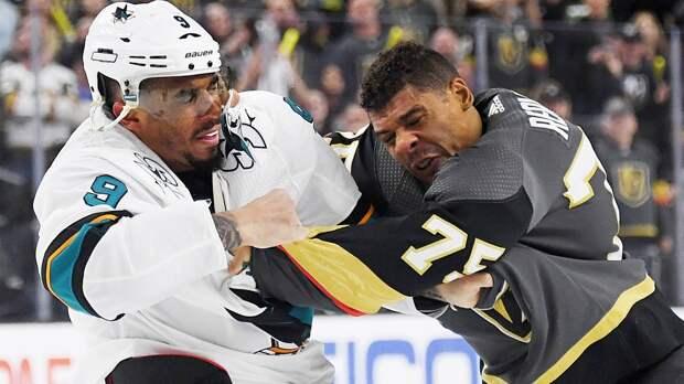 «Хоккей— спорт для белых, игрокам трудно говорить опроблемах черных». Расизм— главная тема июня вНХЛ