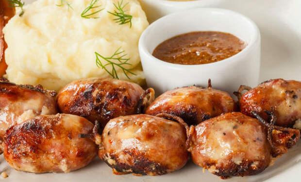 Колбаски из свинины и сыра: ресторанный повар делится рецептом