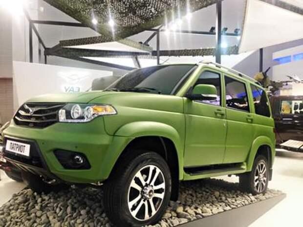УАЗ  представил машины в стиле милитари