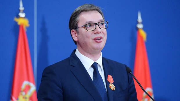 Вучич поздравил сербов с Днем Победы на русском языке