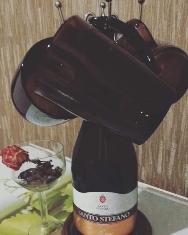 Приспособа для удерживания чашек из использованной бутылки вместо свалки, вторая жизнь, вторая жизнь вещей, креатив, отличная идея, повторное использование