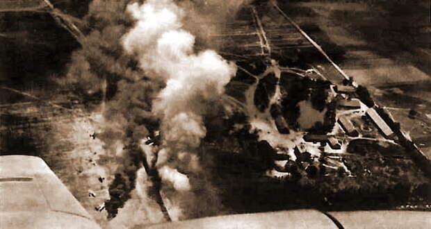 Фото аэродрома Именин, сделанное из кабины Bf 110 во время воздушного боя или сразу после его завершения. - Вынужденные драться? С удовольствием! | Военно-исторический портал Warspot.ru