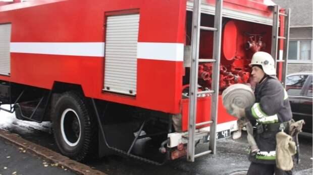 Офисное здание охватил огонь в Москве