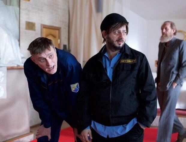 Как выглядят в обычной жизни главные актёры комедийного телесериала «Бородач. Понять и простить».