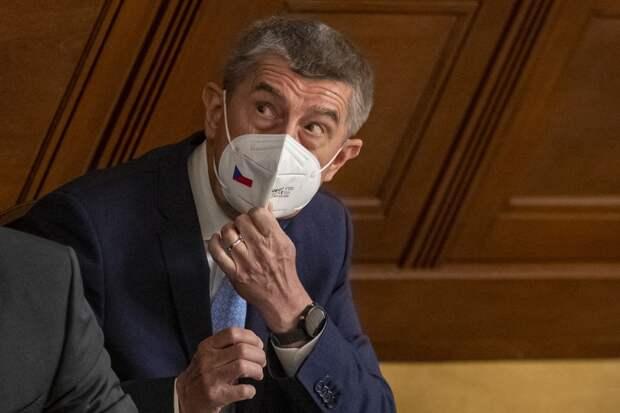 Премьер Чехии осудил резолюцию Европарламента с критикой в его адрес