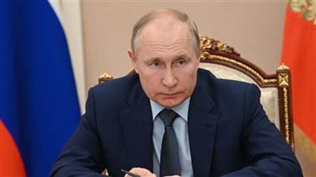 Путин пообещал обсудить с кабмином вопрос о моратории проверок бизнеса в 2022 году