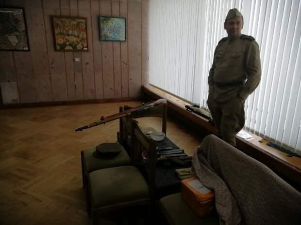 Выставка обмундирования проходит во Дворце искусств Бобруйска.