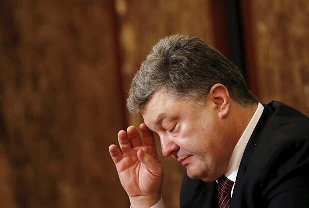 Президенту Украины Петру Порошенко придется подумать, как возвращать долги
