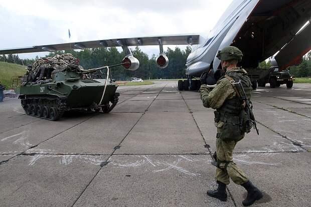 Армия не готовится, а учится: Зачем Европа врет о российских военных у границы с Украиной