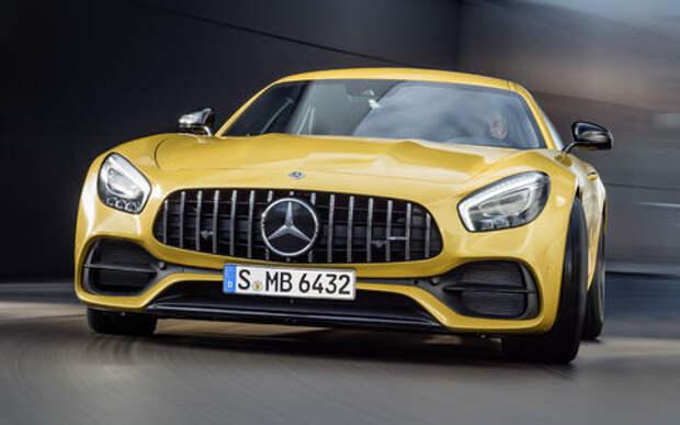 Спорткары Mercedes-AMG GT получили в честь юбилея новые «зубы»