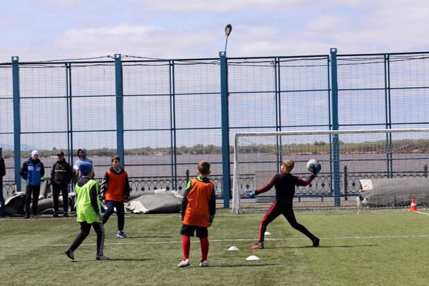 В Хабаровске военнослужащие ВВО организовали спортивный праздник для жителей краевой столицы