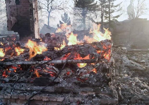 Пожар в ВКО: огонь уничтожил 35 домов, Президент поручил оказать помощь пострадавшим