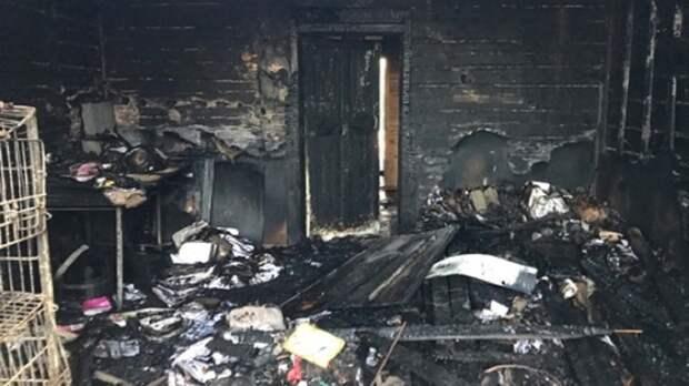 В Вологодской области ночью сгорело отделение связи