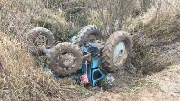 Водитель трактора погиб в ДТП в Ленобласти