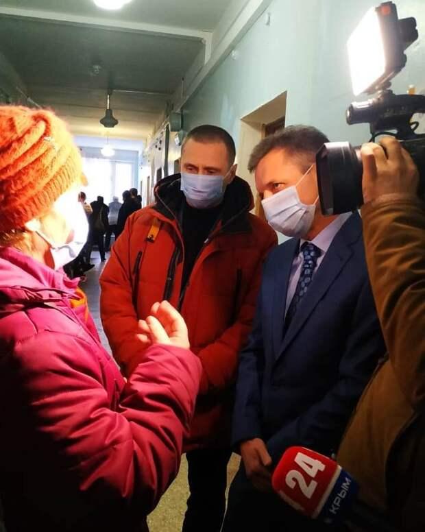 «Нарушения так и не устранены»: Министр здравоохранения Крыма нагрянул в больницу Керчи с проверкой