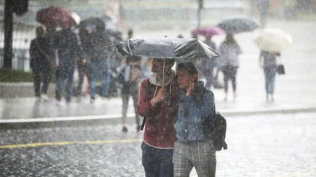 """""""Такие дожди бывают раз в 25 лет"""": москвичей предупредили о ливне"""