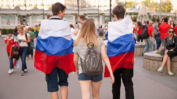 В РФ захотели перестать платить детские пособия подозрительно бедным семьям