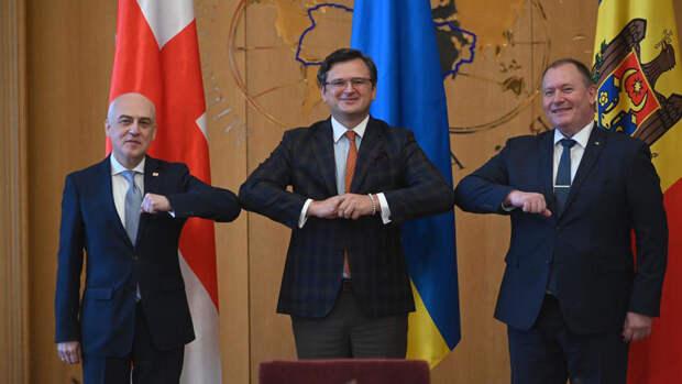 """Украина создала """"Ассоциированное трио"""" с Грузией и Молдавией"""