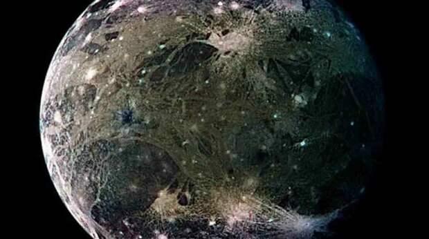 Спутник Юпитера передает загадочные радиосигналы