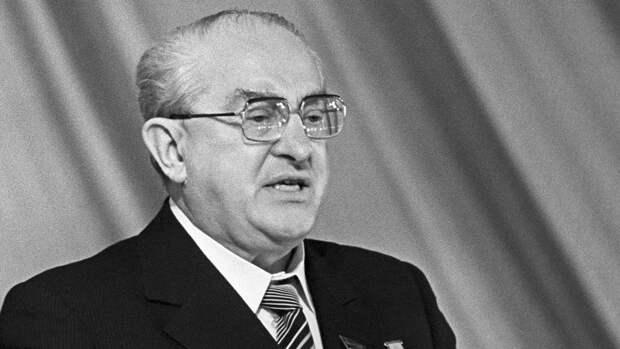 Почему Юрий Андропов называл свою биографию проклятой