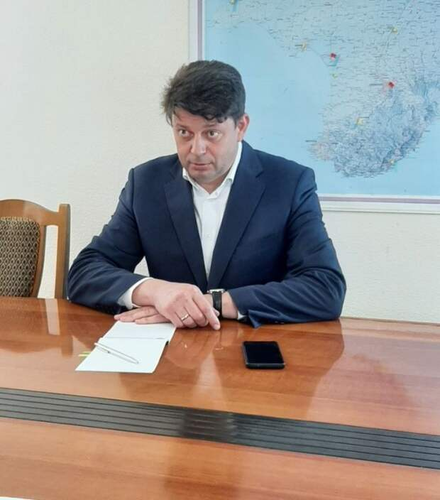 Председатель Госкомветеринарии Крыма Валерий Иванов провел рабочее совещание с председателем первичной профсоюзной организации ведомства