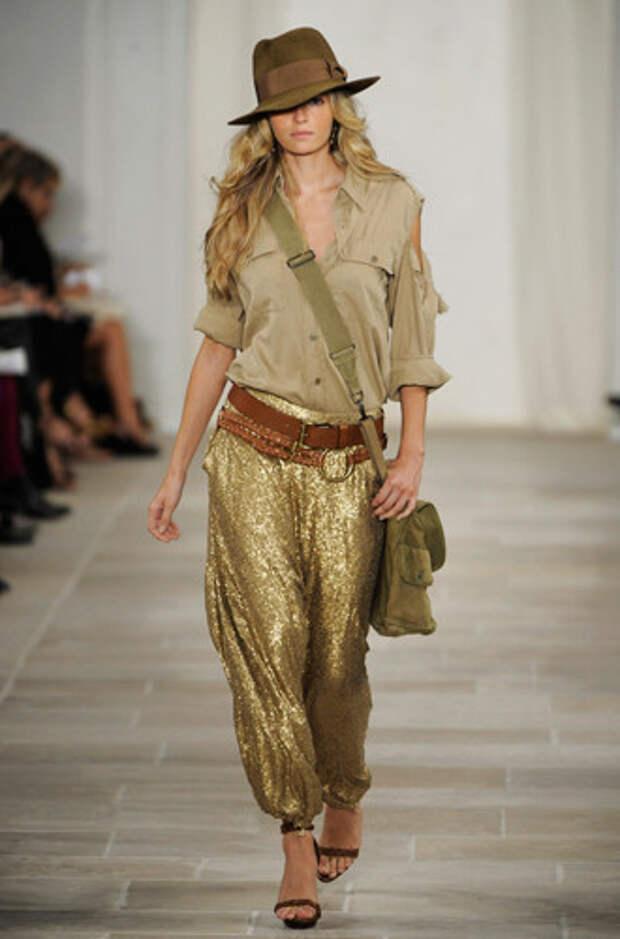 Правила составления модного комплекта с шароварами