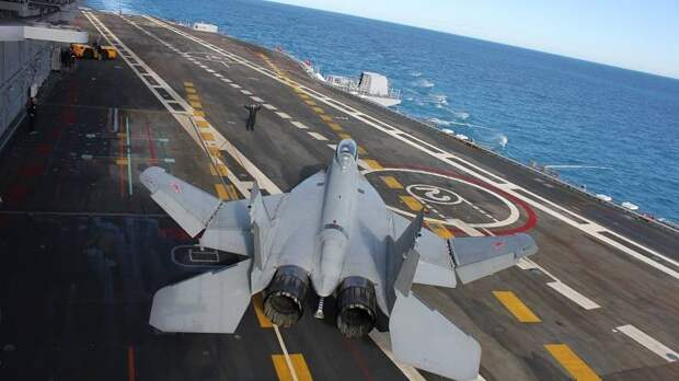 Неполноценные авианосцы не подходят для российского флота