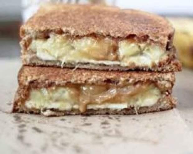 А ЧТО НА ЗАВТРАК? Сырно-банановый бутерброд