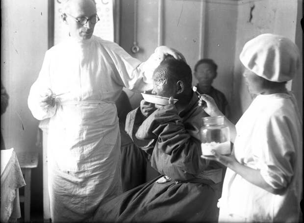 Советские врачи