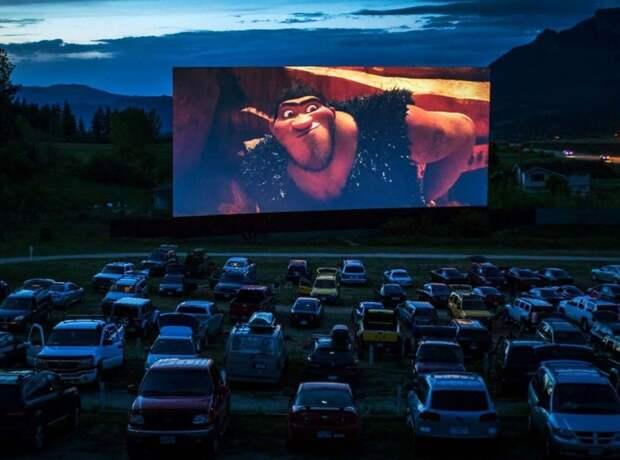 На одной из парковок Ижевска начнут показывать фильмы