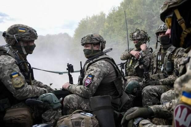 Украинская бронетехника идет к Крыму