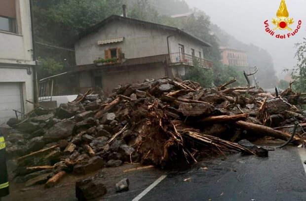 На севере Италии ливни вызвали масштабные наводнения и оползни