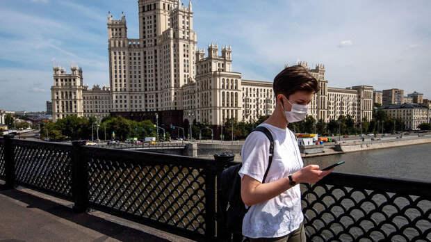 «Не нужно ждать»: Мурашко призвал россиян привиться от коронавируса