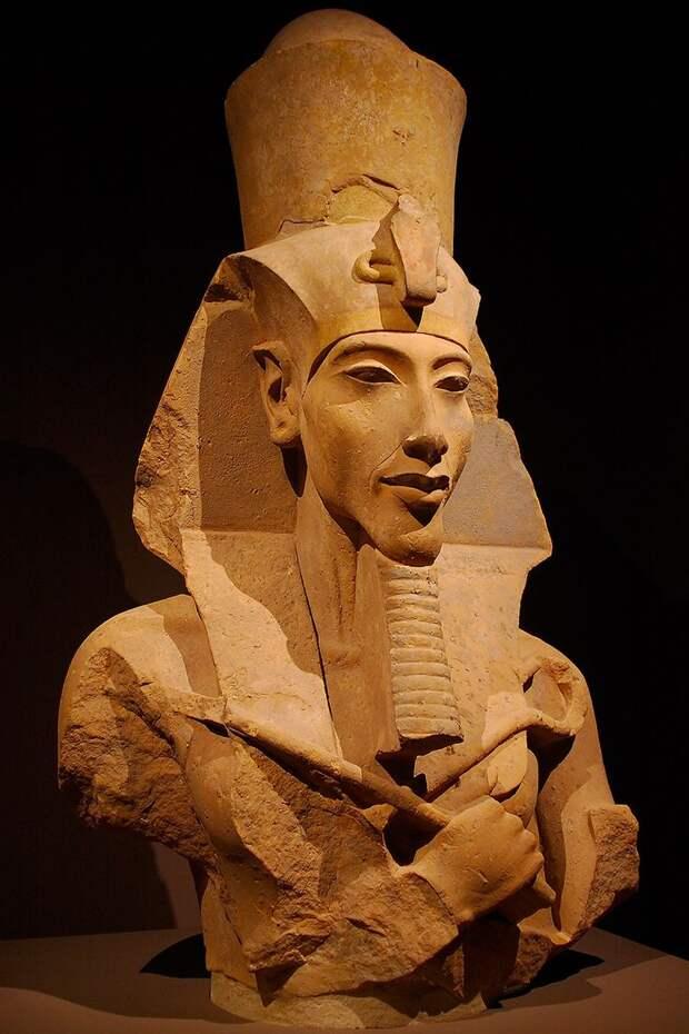 Новое исследование ДНК показало, что египетский фараон Эхнатон был гибридом человека и инопланетянина