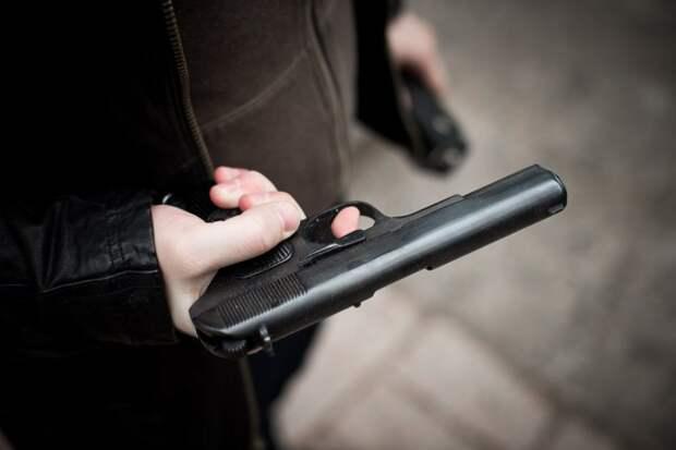 Сын иркутского депутата расстрелял троих школьников из травмата