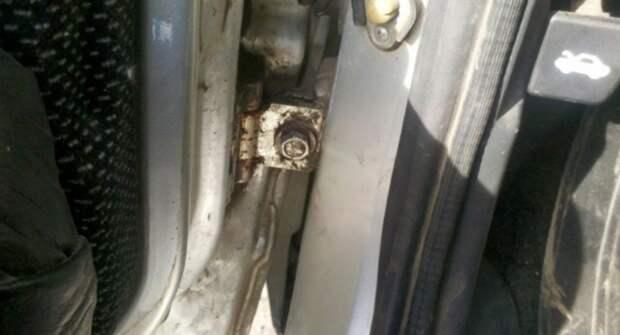 Как без особых усилий исправить провисшую дверь?