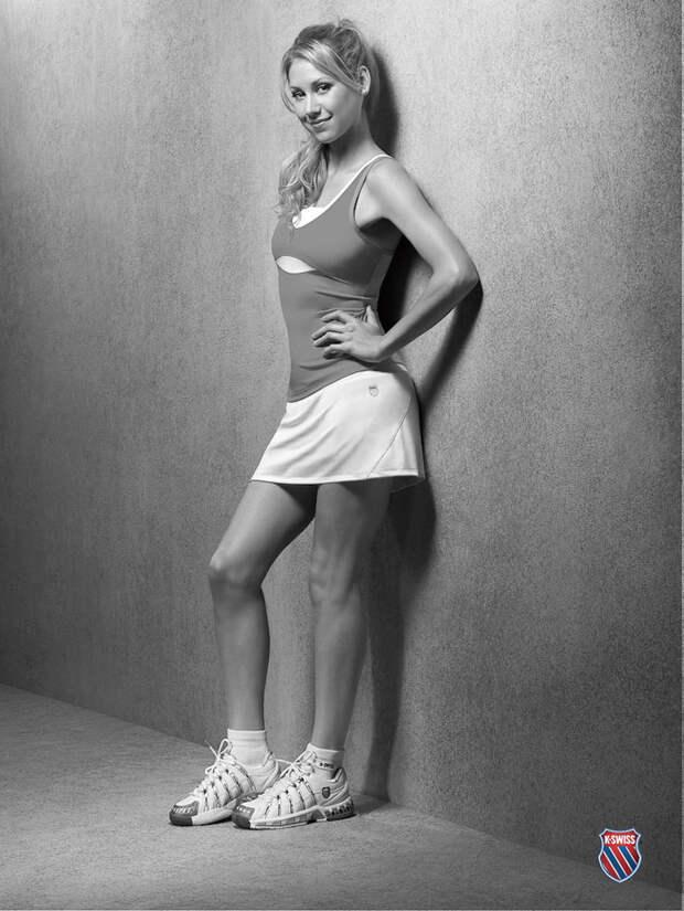 Секс-символ 90-ых Анна Курникова во всей своей красе.