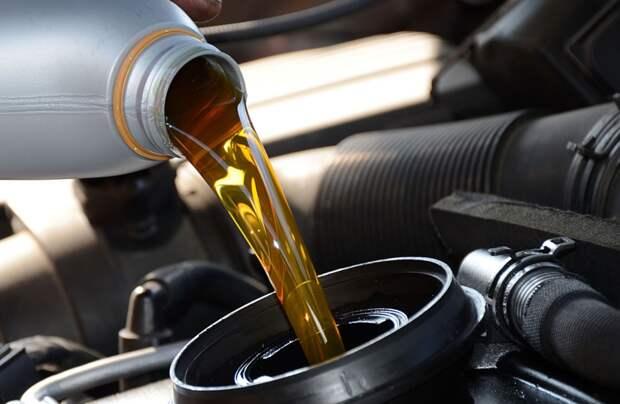 Автомобилистам дали советы по выбору моторного масла зимой