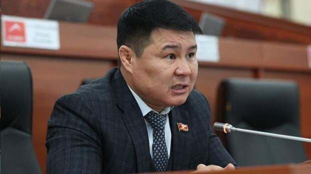 История иссык-кульского корня: депутат требует отставки главы Минздрава