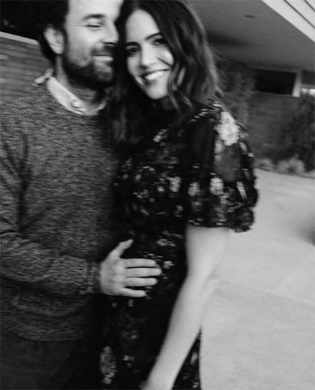 """Звезда """"Спеши любить"""" и """"Это мы"""" Мэнди Мур ждет ребенка"""