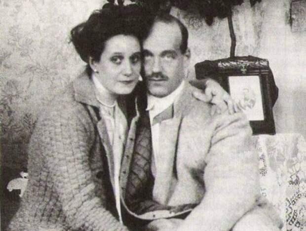 Скандальный неравный брак: кем была женщина, из-за которой Михаил Романов отрекся от престола