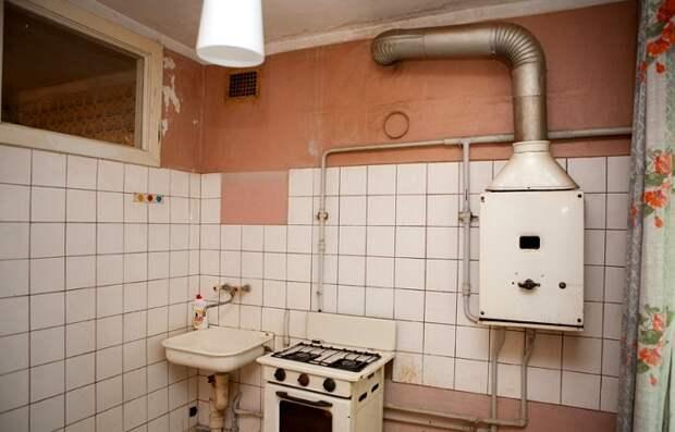 Наличие газовой колонки в квартире появление странного окошка не объяснило. /Фото: proventilyaciyu.ru