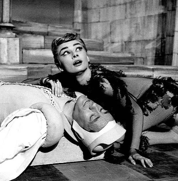 Одри Хепберн в образе Ундины.