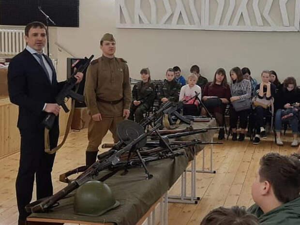 «Видел отрывки»: уральский депутат среди причин атаки на казанскую школу назвал фильмы «Дэдпул» и «Трансформеры»