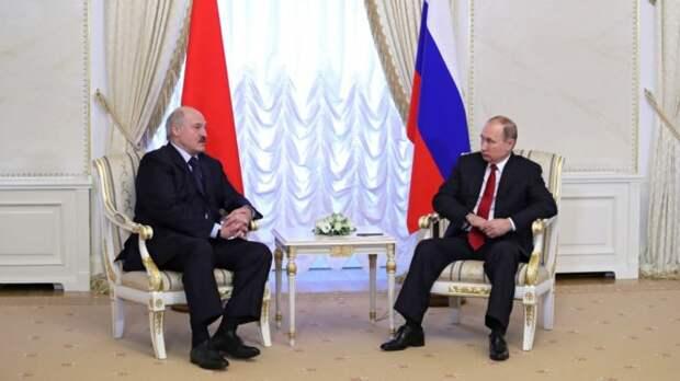 В Минске озвучили причину внезапного визита Лукашенко к Путину